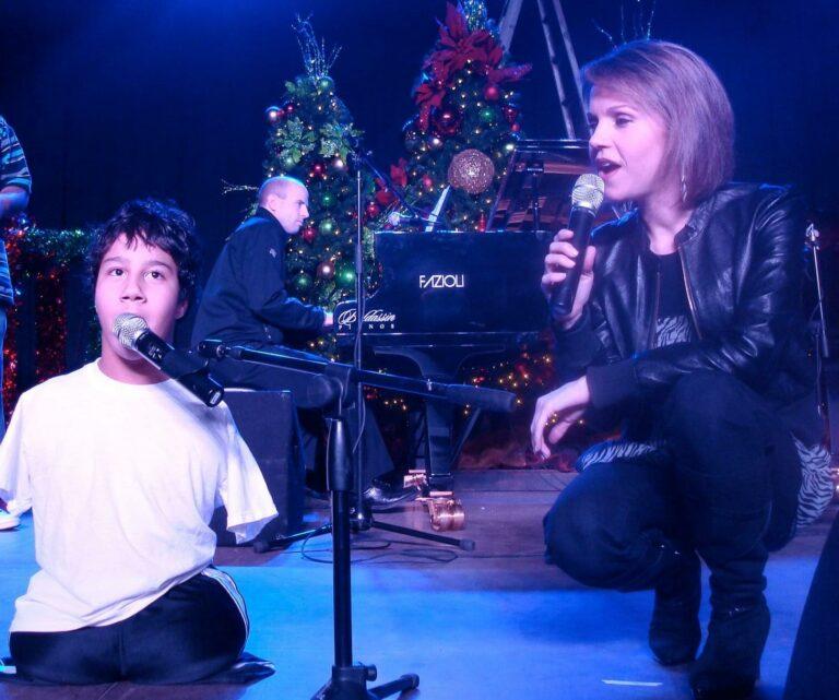 Brenda-Gabe-Jason-Christmas-2010-Concert